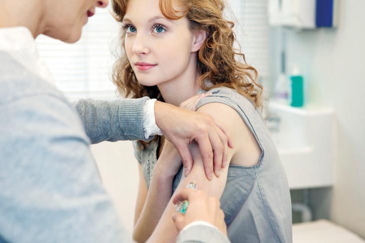 Два в одном: в России может появиться вакцина от гриппа и всех штаммов COVID-19
