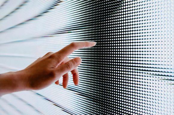 Волдыри, бугорки, воспаления: что мы знаем о «коронавирусных» пальцах?